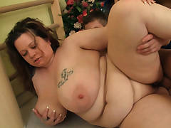 Busty big ass chubby plumper seduces fitness trainer